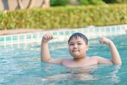 چگونه با ورزش در آب در هیدروجیم وزن خود را کاهش دهیم؟